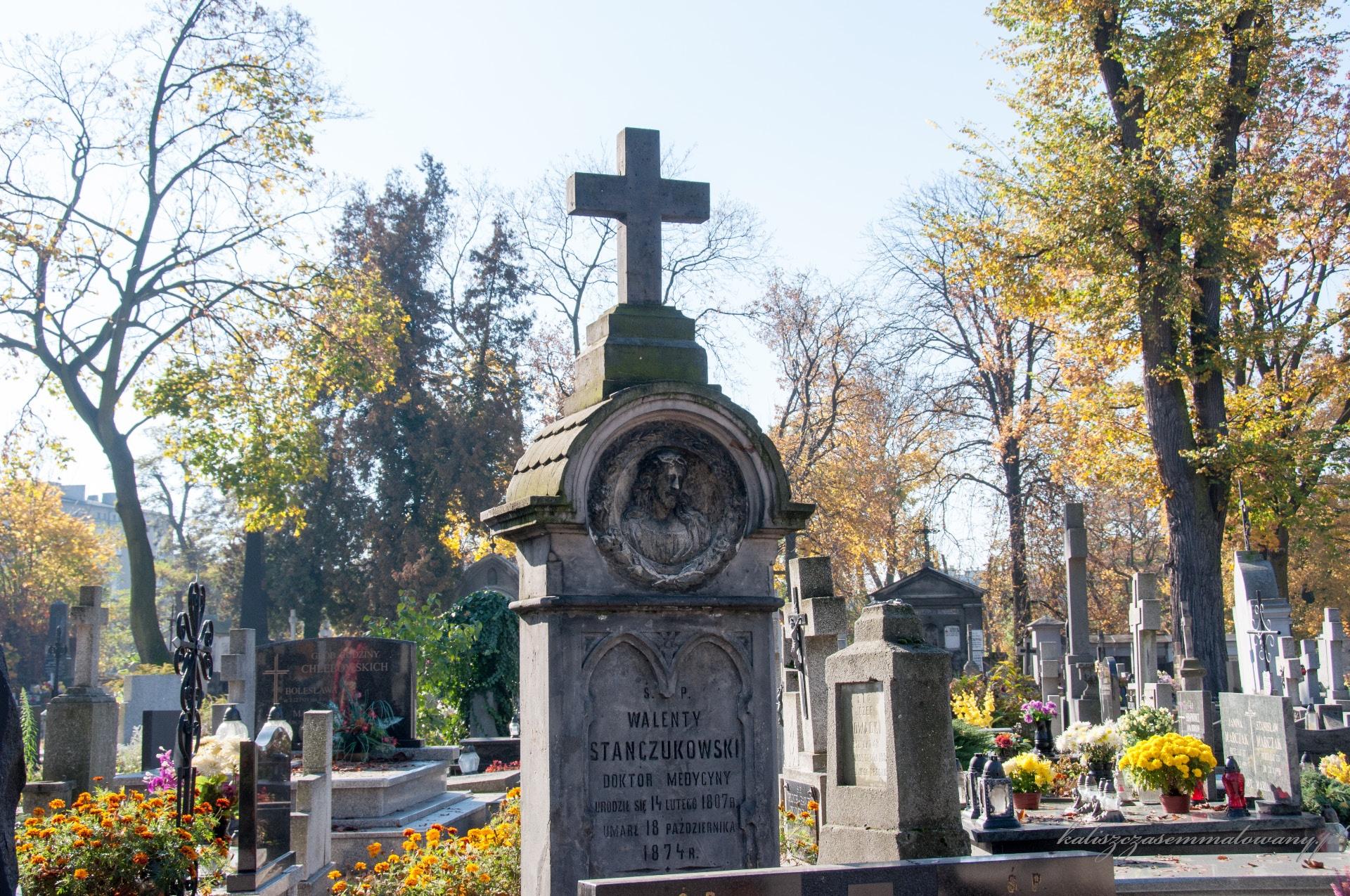 Cmentarz_katolicki_Rogatka-06