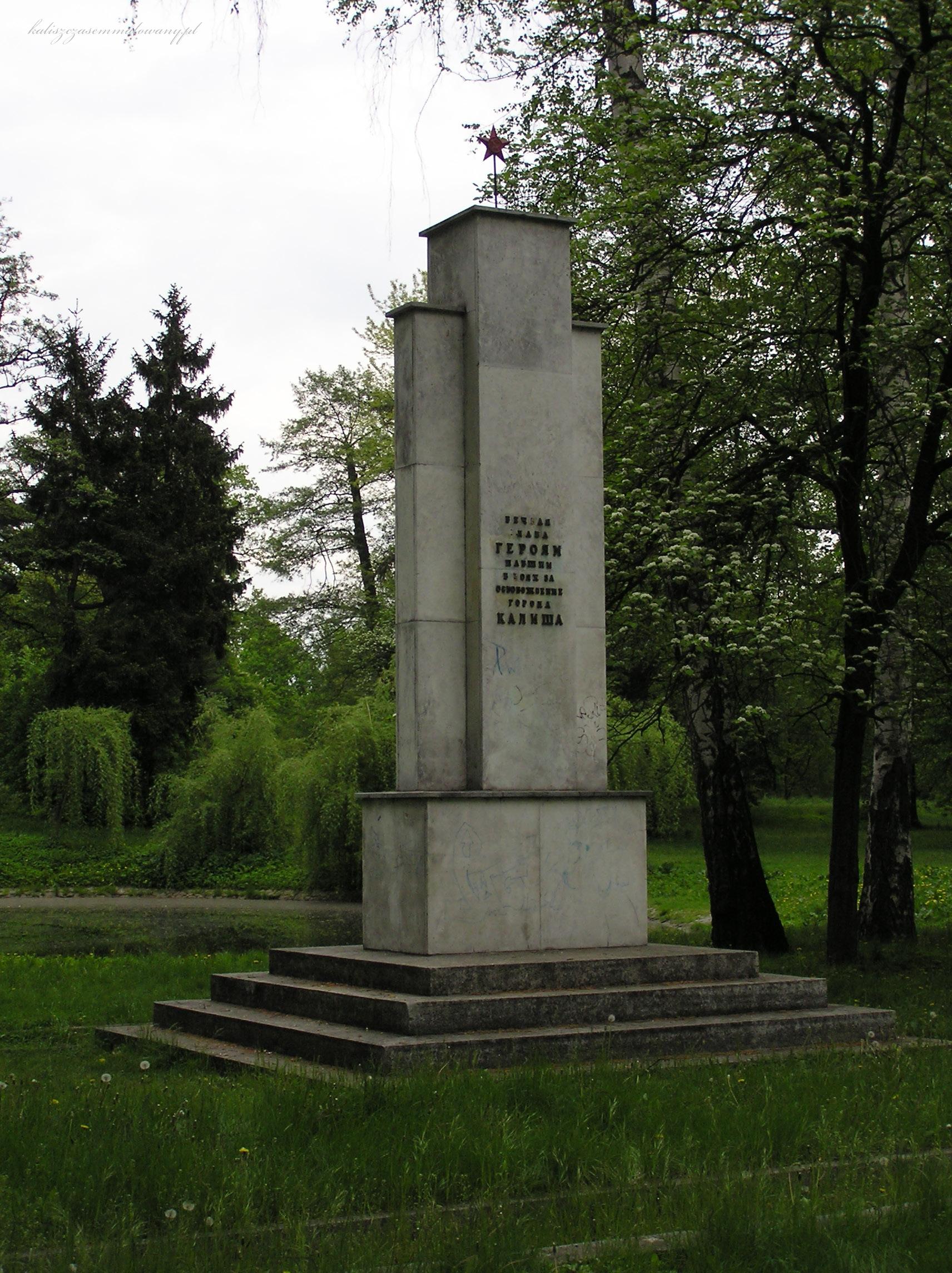 cmentarz_sowiecki-09