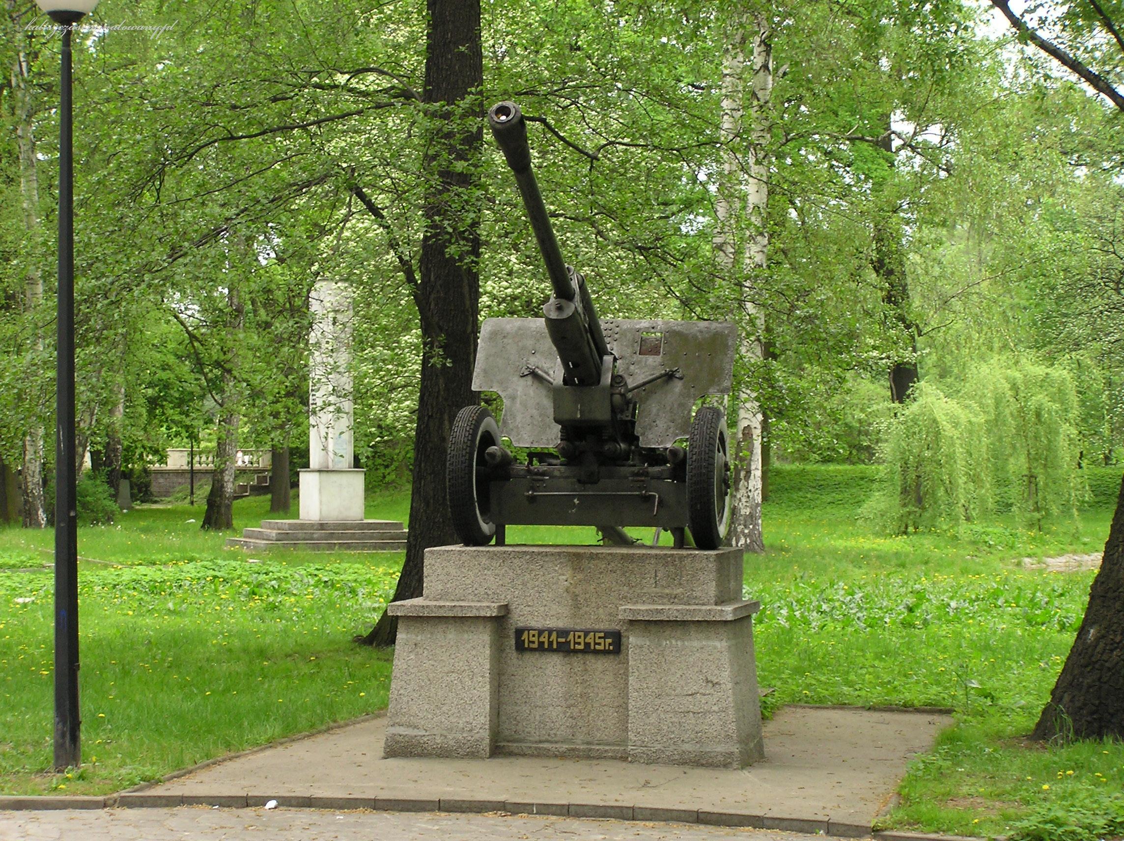 cmentarz_sowiecki-11